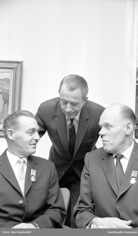 Medaljutdelning vid Sidsjöns sjukhus.