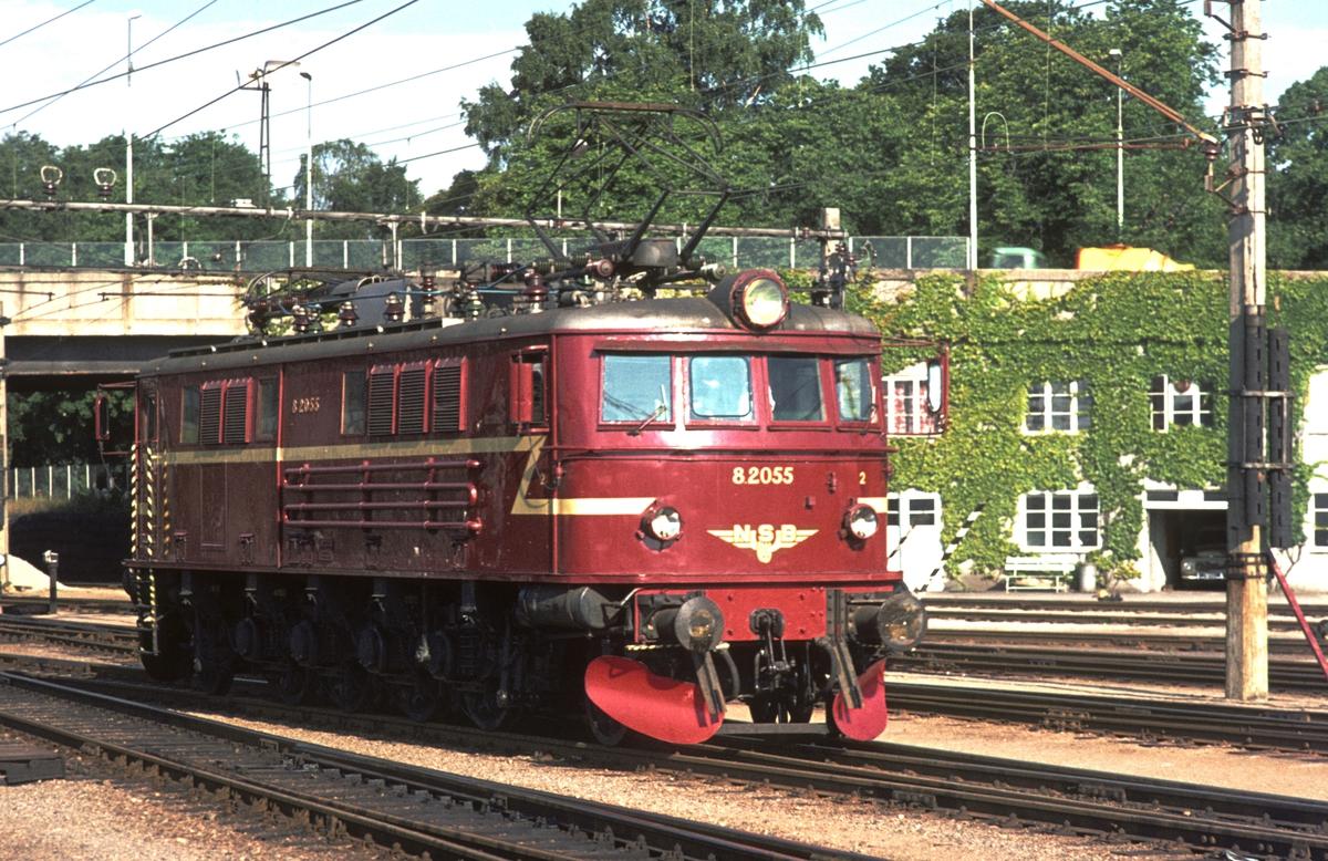 NSB elektrisk lokomotiv El 8 2055 i Kristiansand.