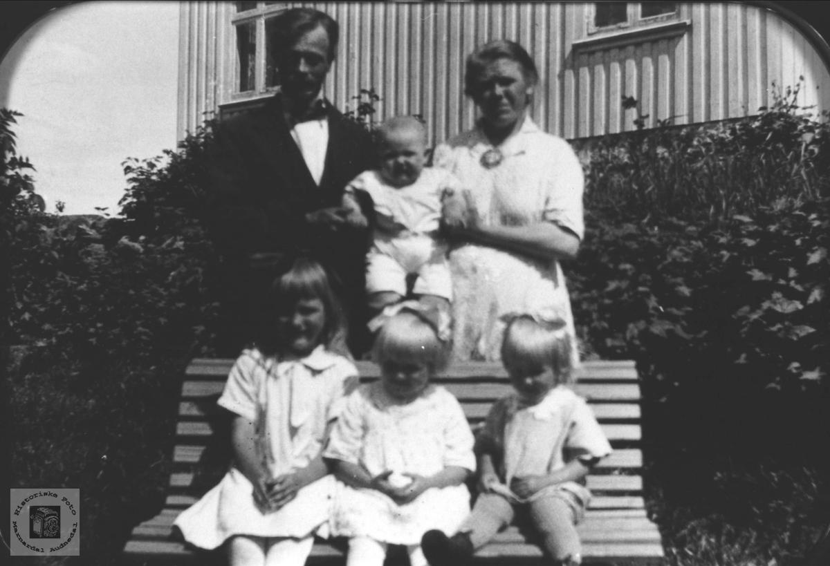 Familiebilde med familien Breland