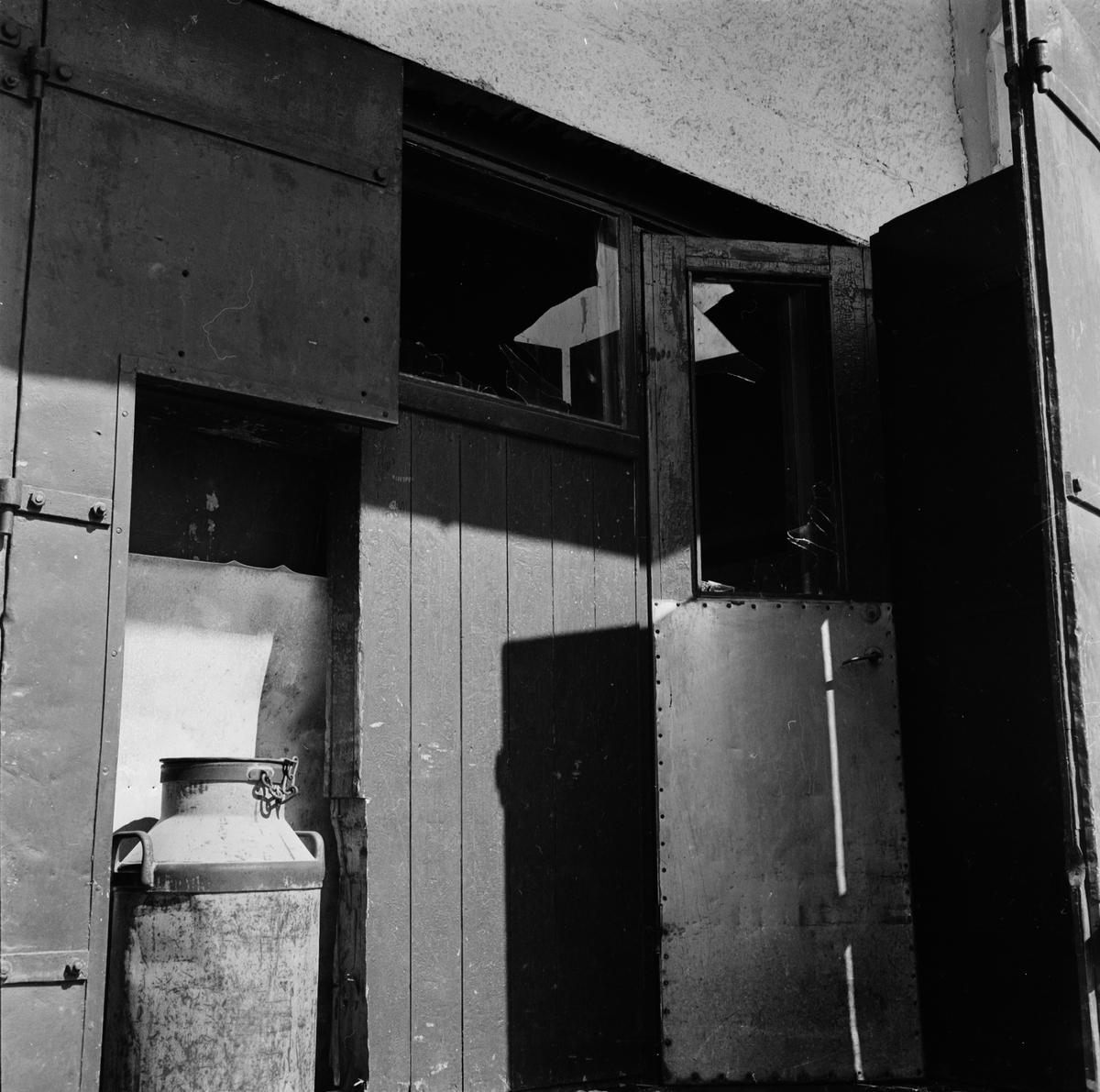 Tom fastighet bekymmer för kommunen, Tierp, Uppland, sannolikt 1965