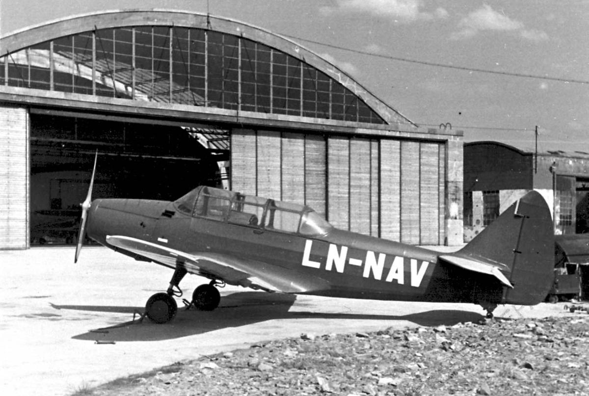 Lufthavn 1 fly på bakken, Fairchild Cornell PT-19A-FA LDB 173 LN-NAV fra Lillehammerfly A/S.