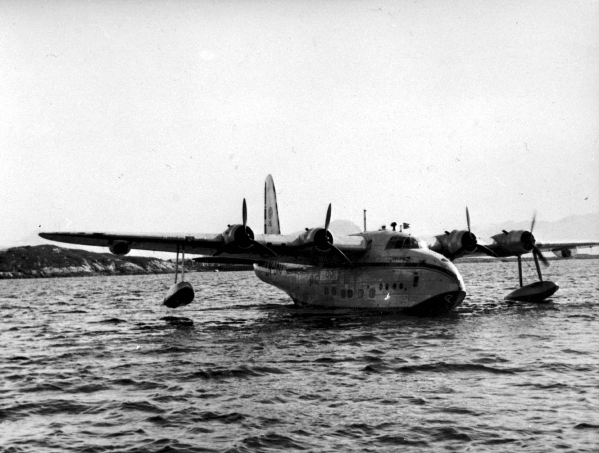 """Ett  fly på havet, Short S.25 Sandringham LN-IAU """"Bamse Brakar"""" fra DNL."""
