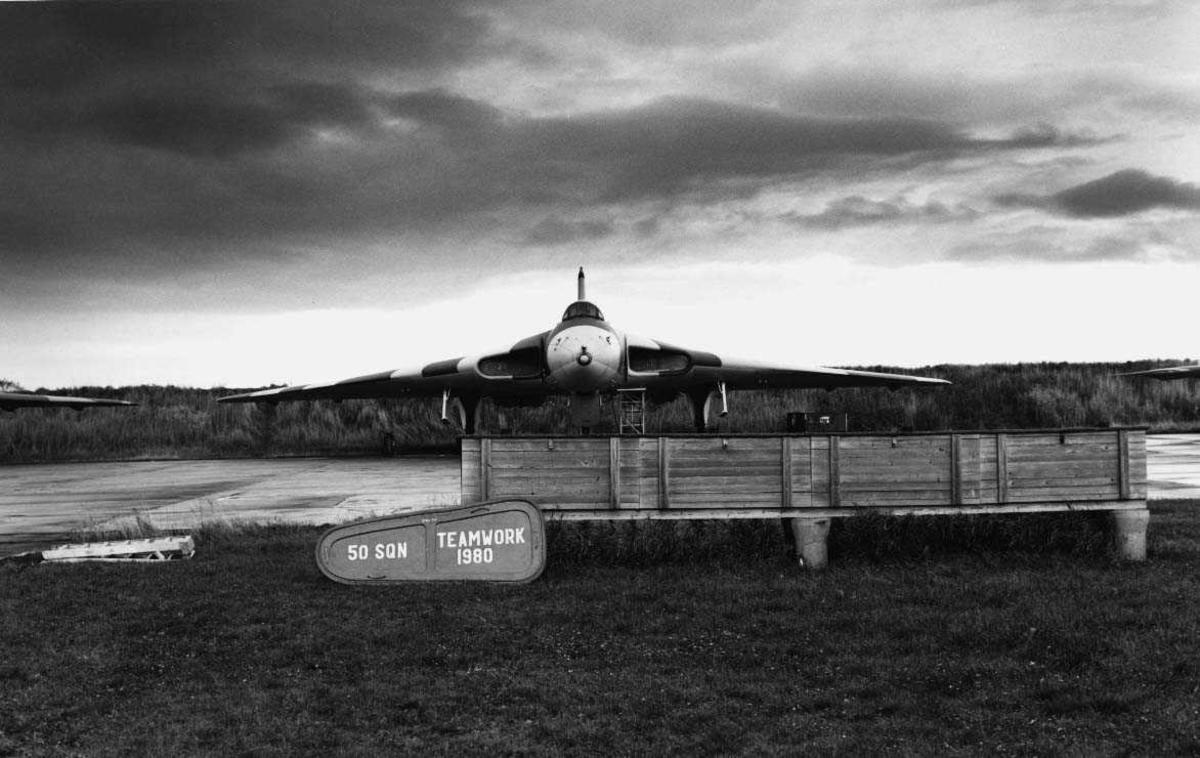 Lufthavn-flyplass  En Hawker Siddeley Vulcan B. Mk2 i Bodø.