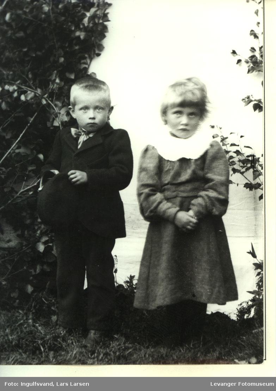 Portrett av gutt og jente.