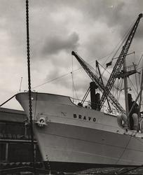 Lastmotorfartyget BRAVO av Oslo i East India Dock, London 19