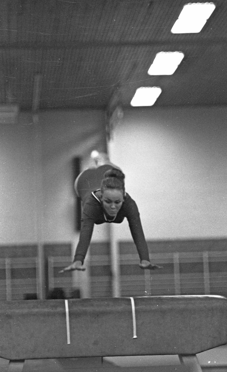 NM i turn - 1970. Del 10 av av 13. Appartatturn - Damer.
