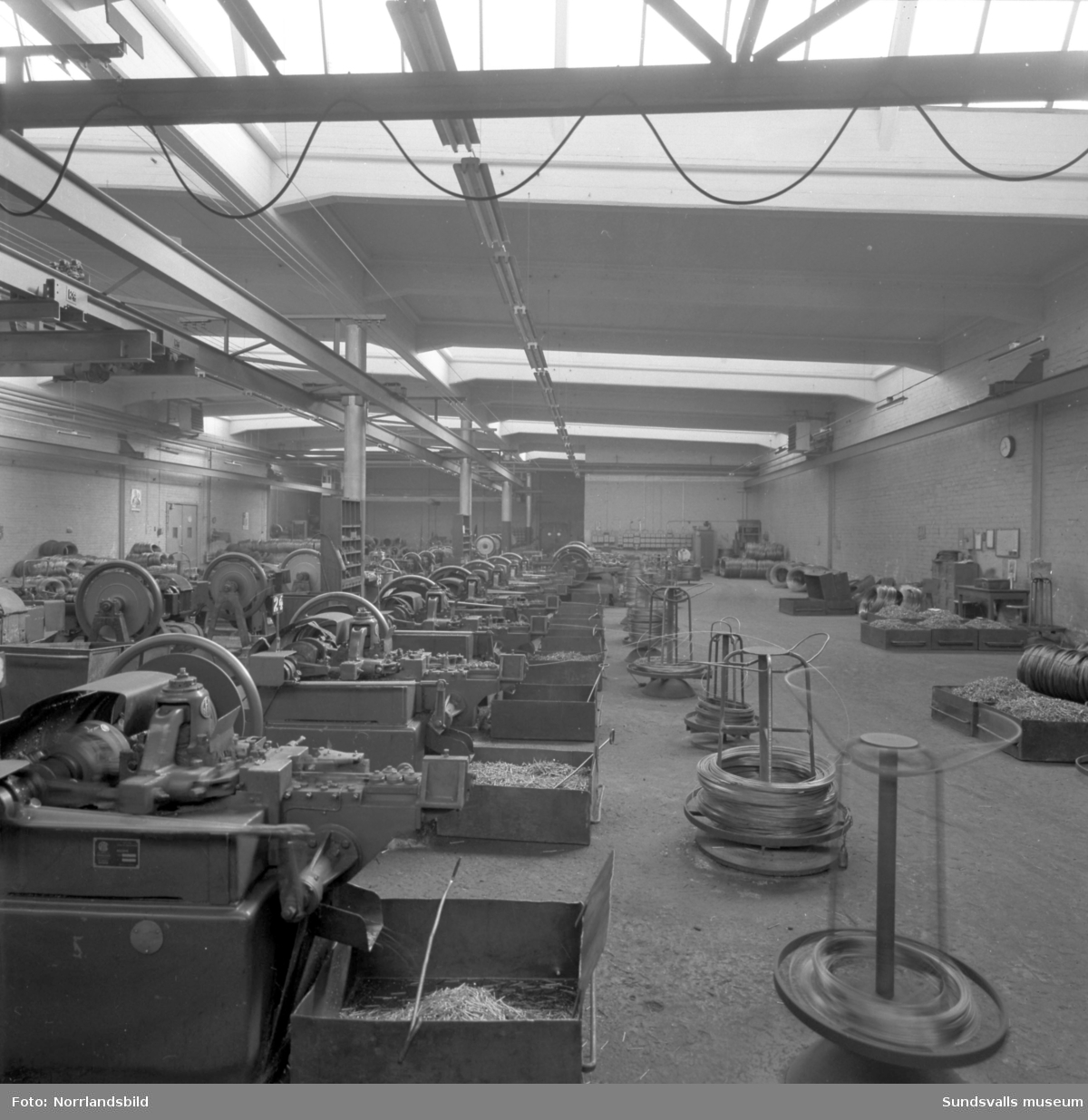 Interiörbilder från Gunnebo spikfabrik.