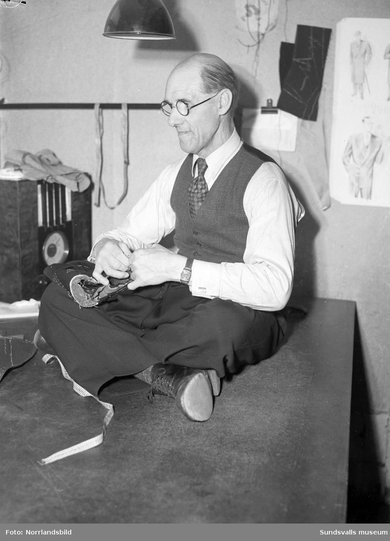 Gunnar Bergström, skräddare i Njurunda.