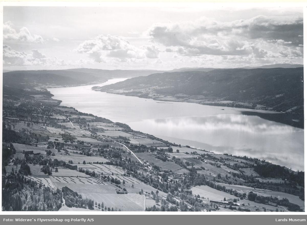 Randsfjorden,Utsikt mot Hov,  Søndre Land