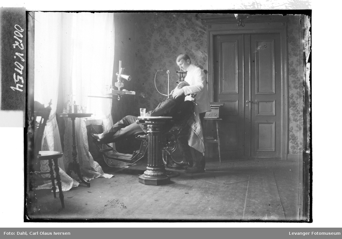 Tannlege A. Seehusen Olsen I