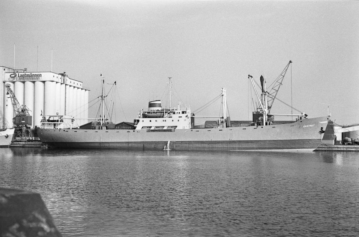 Ägare:/1965-73/: VEB. Deutsche Seereederei Rostock. Hemort: Rostock.