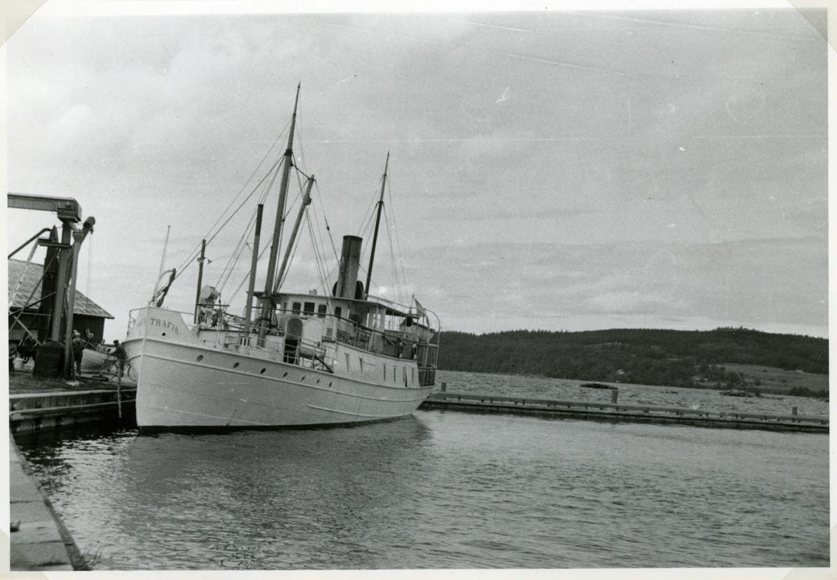 Foto 7/7 1956 i Hästholmens hamn.