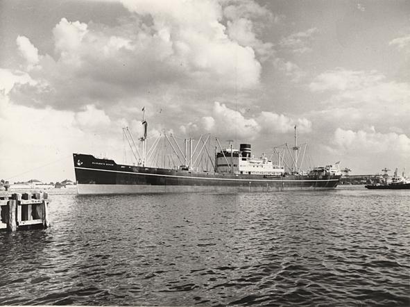M/S ELISABETH BAKKE. Foto taget 1960.