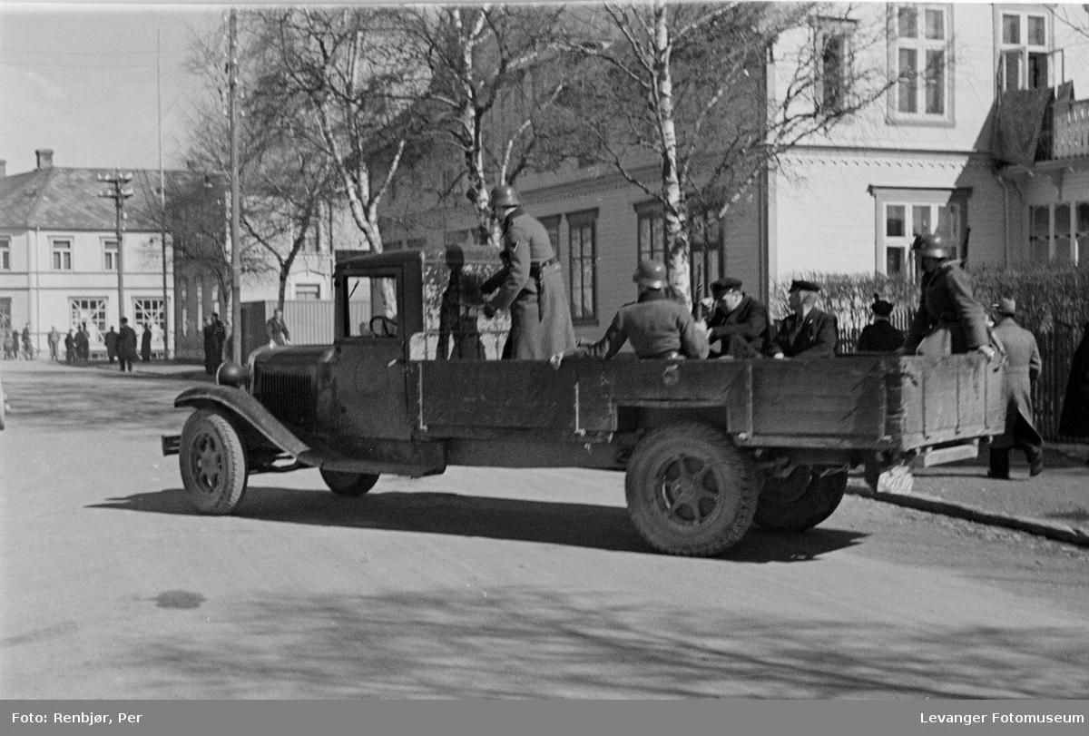 Tyske soldater med norske gisler II