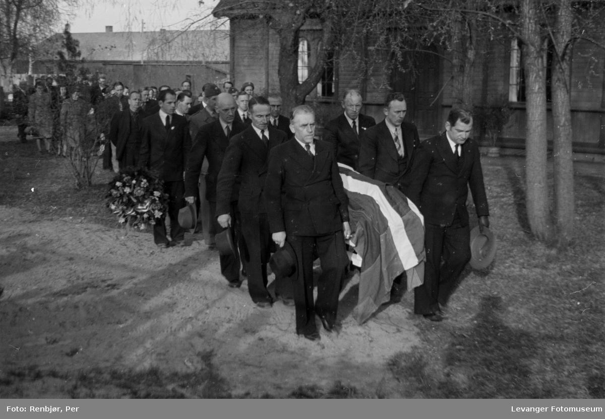 Flytting av levningene av, sovjetiske, russiske krigsfanger fra Moan i Levanger til Levanger kirkegård.