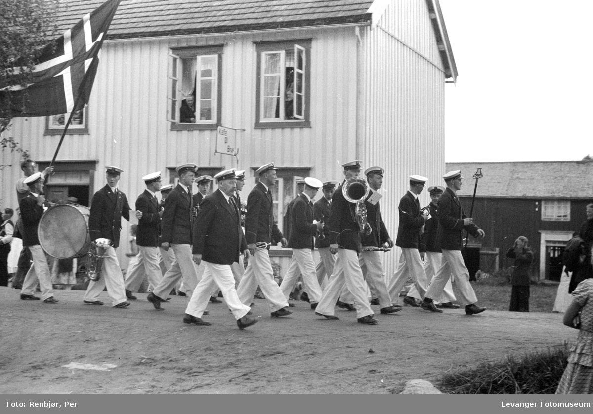 Fra Nasjonals Samlings riksmøte på Stiklestad i 1934. Marsjen fra Verdal til Stikletstad.
