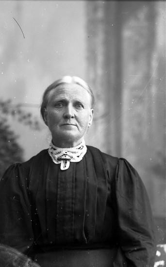 Porträtt av Josefina Hedlund, gift med fotografen Oscar Färdigs farbror