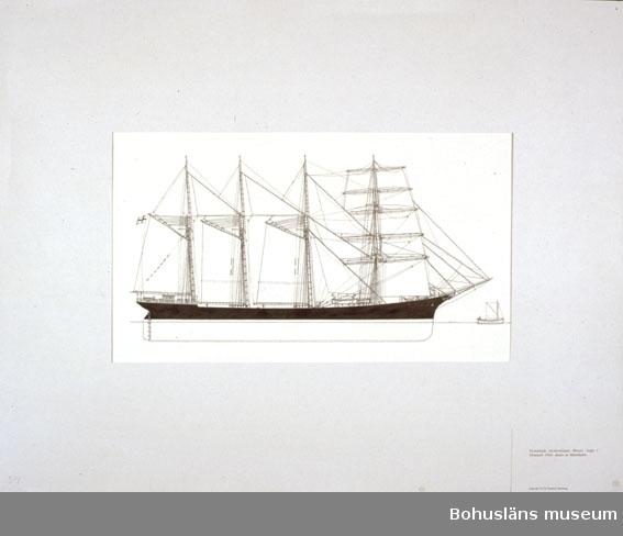 Montering/ram: Passepartout av tunn grå kartong; 55 x 66 cm, Fyrmastade skonertskeppet Mozart, byggt i Greenock 1904, senare av Mariehamn. Övrig historik se UM72.26.001.