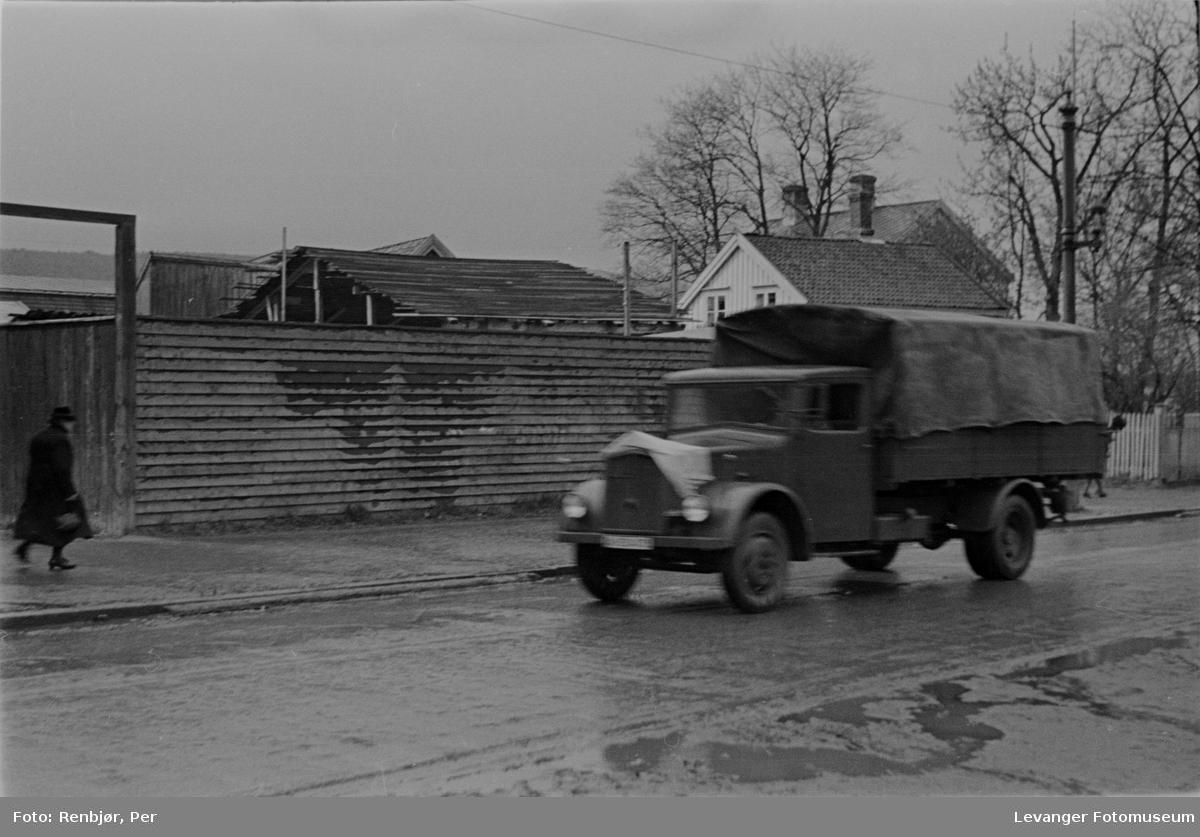 Lastebil tilhørende de norske politistyrkene, fredsvåren.