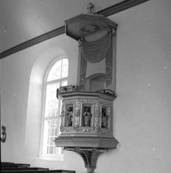 Stenkyrka socken. Stenkyrka kyrka. Predikstol. Efter restaur
