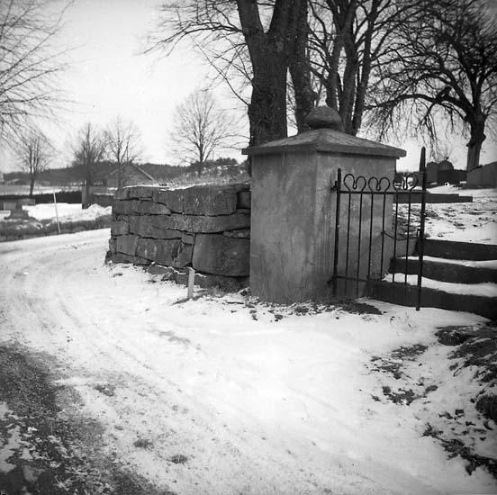 Långelanda socken. Kyrkogården.