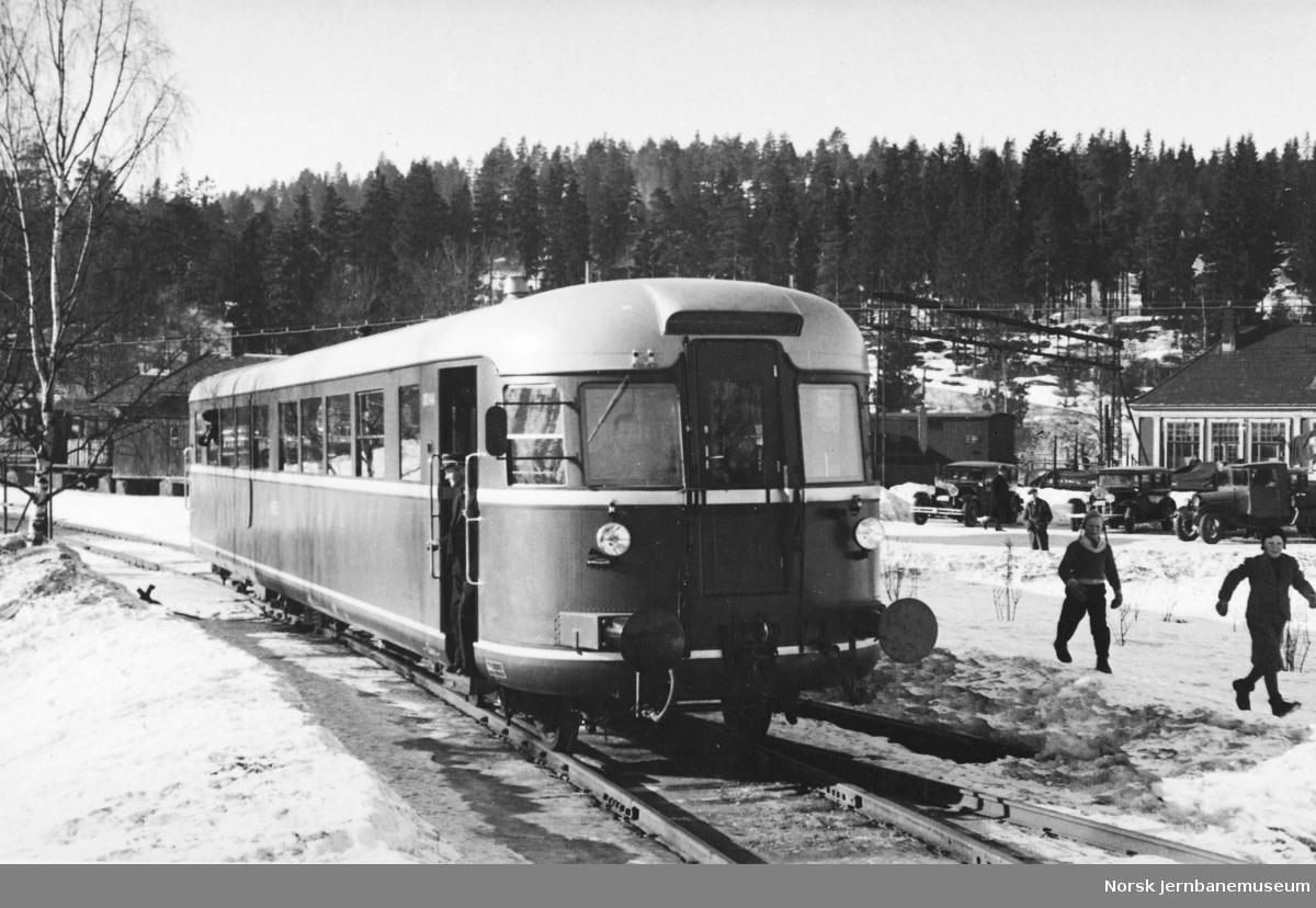 Ny dieselmotorvogn nr. 18244 (86.44) klar for prøvetur