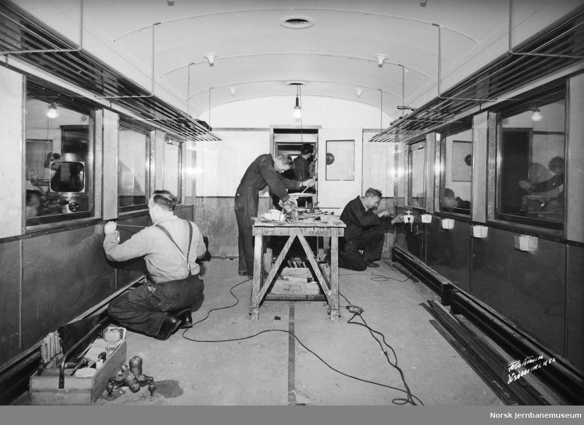 Bygging av mellomvogn type 67