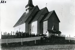 Gravferd etter Marit Kamrud, gift med Iver L. Kamrud. Ulnesk