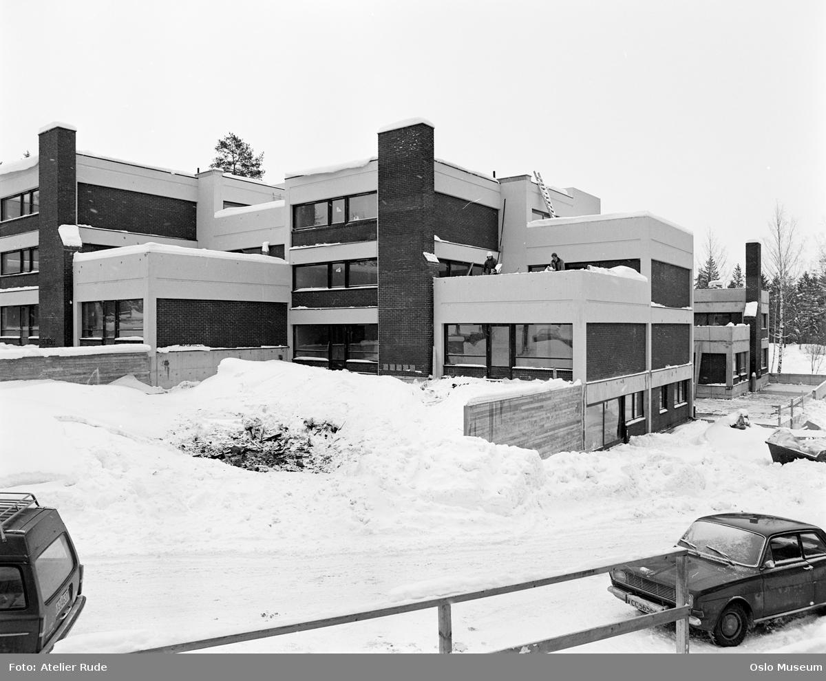 boligblokk, byggevirksomhet, bil, snø
