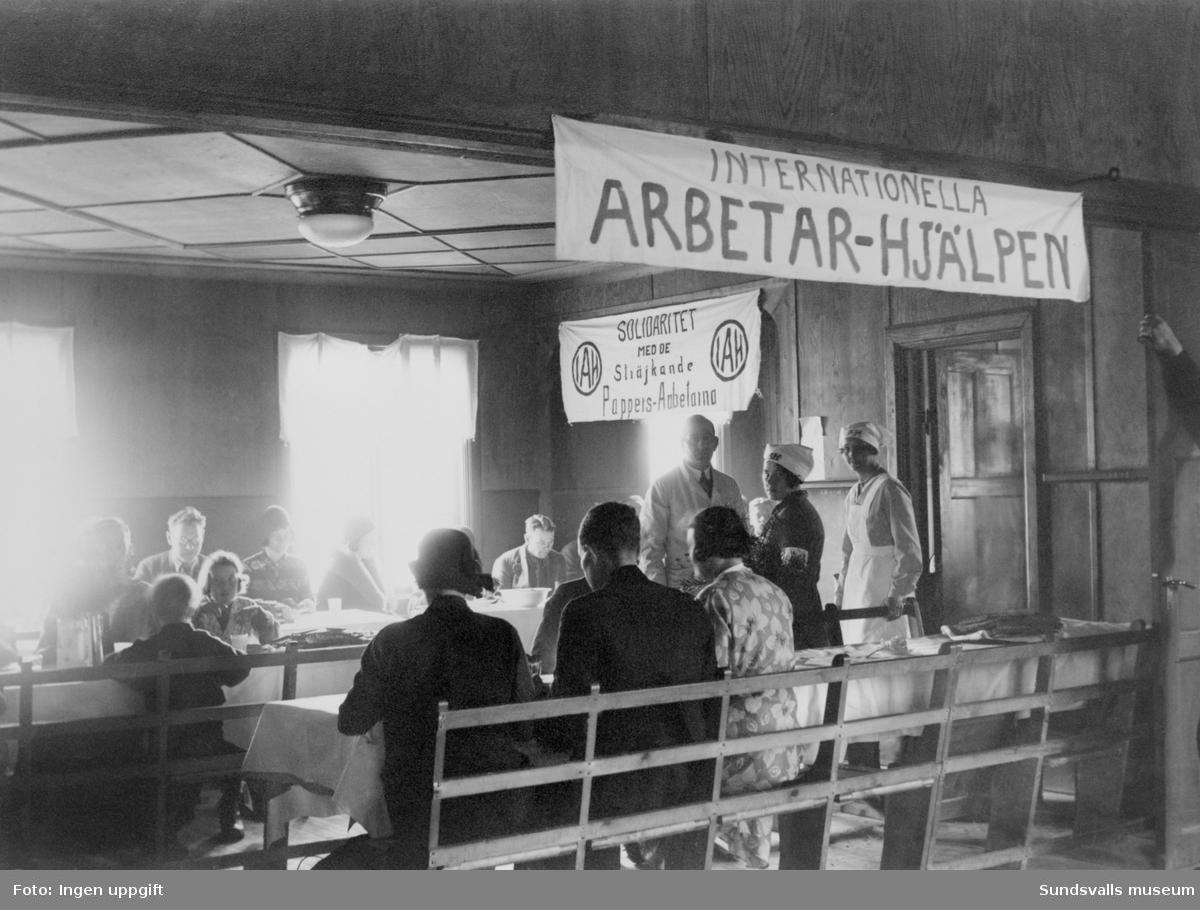 Inernationella Arbetar-Hjälpens solidaritetsarbete för strejkande pappersarbetare.