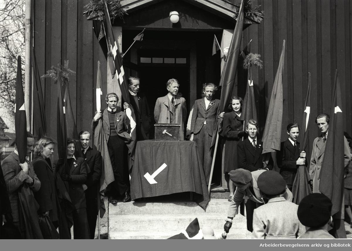 1. mai 1947, Reidar Danielsen taler ved Folkets Hus på Kjelsås.