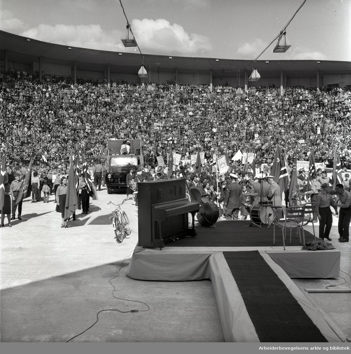 1. mai 1960 i Oslo.Framfylkingens arrangement på Jordal Amfi..