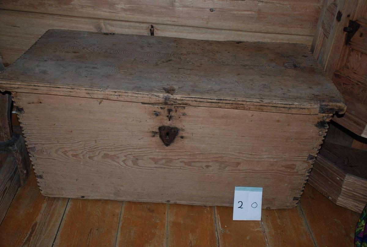 Dette er den eldste kisten som er på litunet.