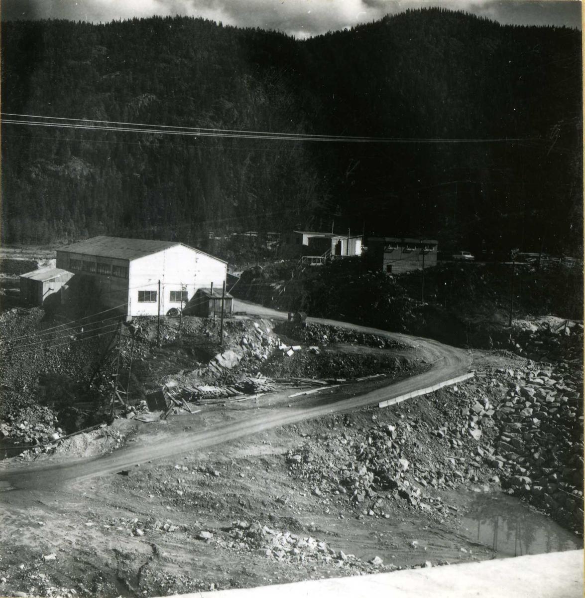 Sept. 67 Verksted  Byrte  Dam  20
