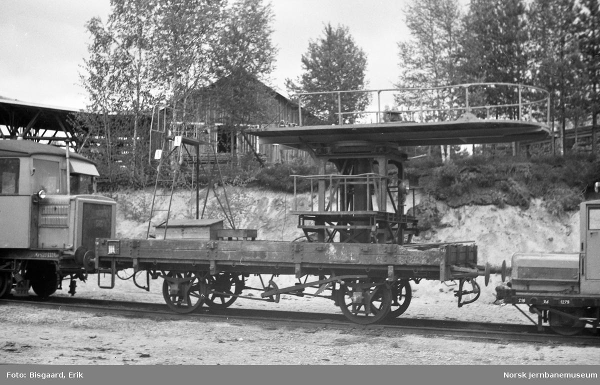 Internvogn litra Ra nr. 3953 med arbeidsplattform