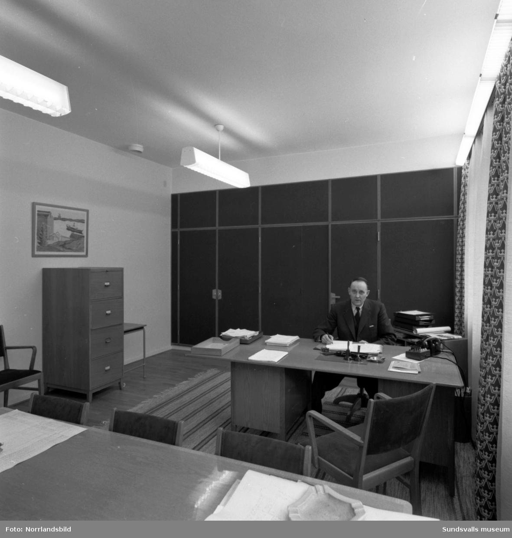 Interiörbilder från lokalerna i det nybyggda postkontoret vid Köpmangatan.