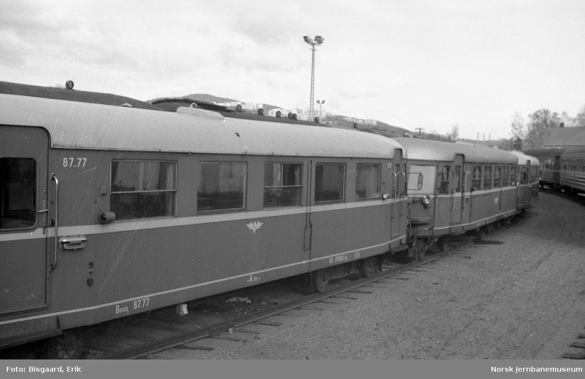 Hensatte motorvogner type 87 på Verkstedet Grorud - front av BM 87 77