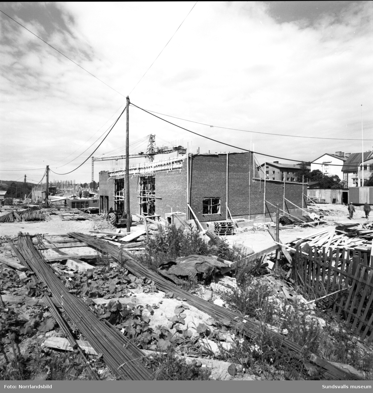 Byggbilder från kvarteret Förrådet där Verkstadsskolan bygger nytt.
