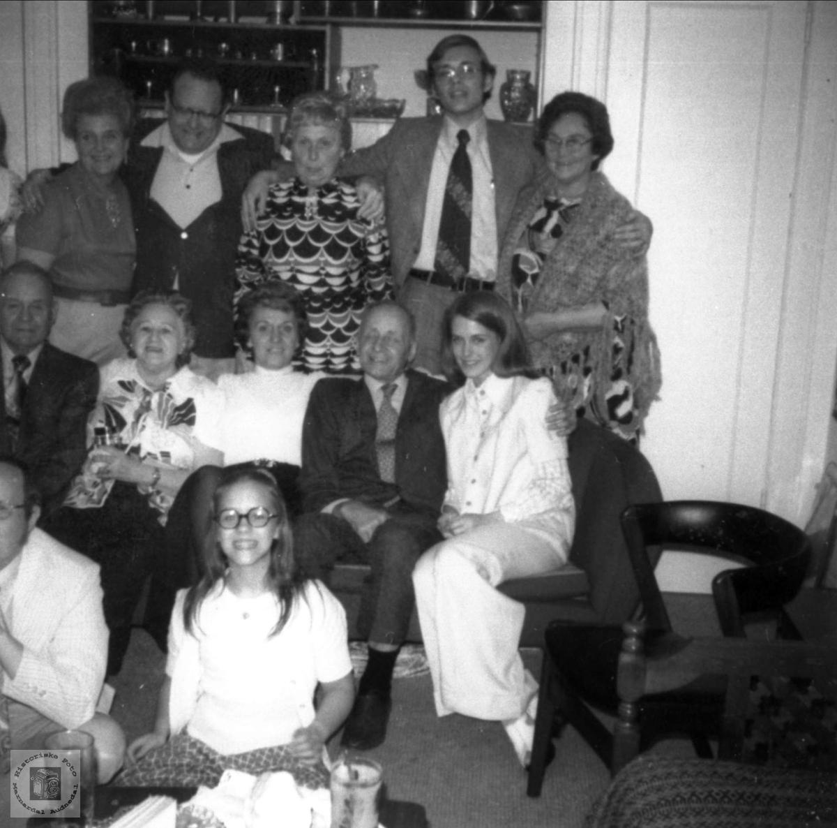 Slekt som stammer fra Røynesdal samlet i USA
