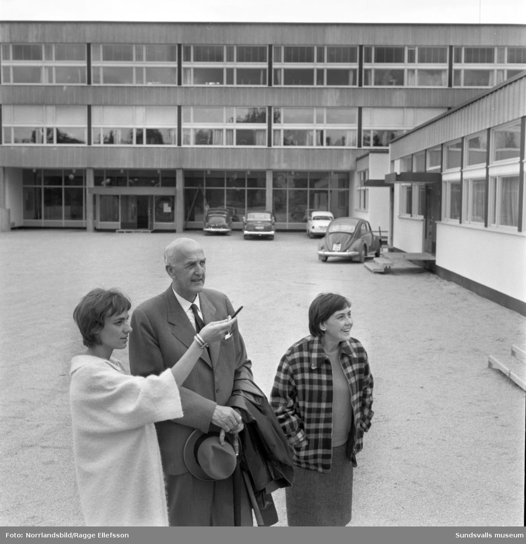 Jugoslaviska lärarinnor besöker skolor i Sundsvall.