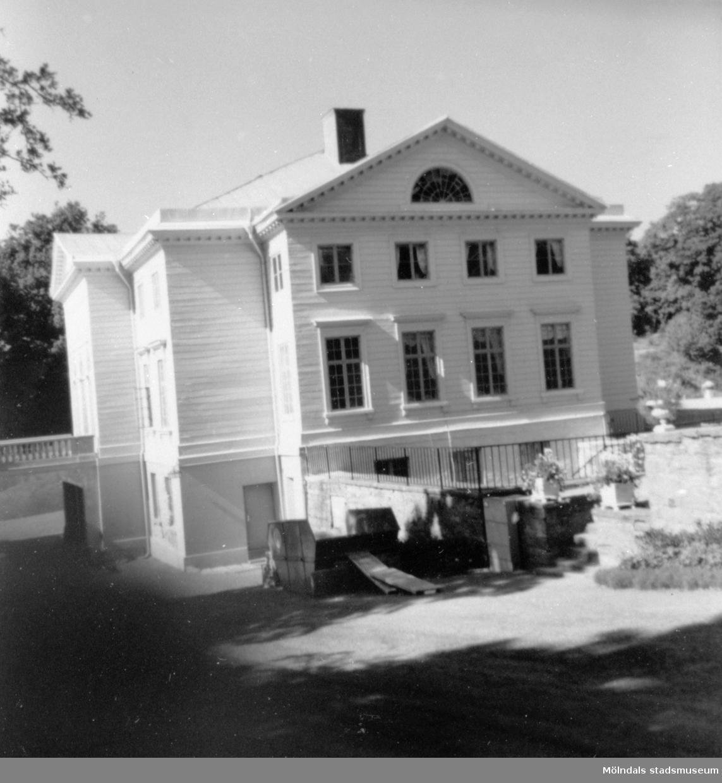 Gunnebo slotts östra gavel. 1970-tal.