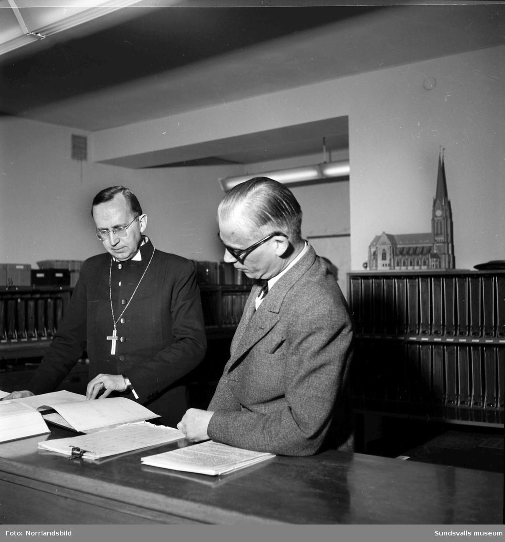 Biskop Gunnar Hultgren på visitation i Sundsvall.