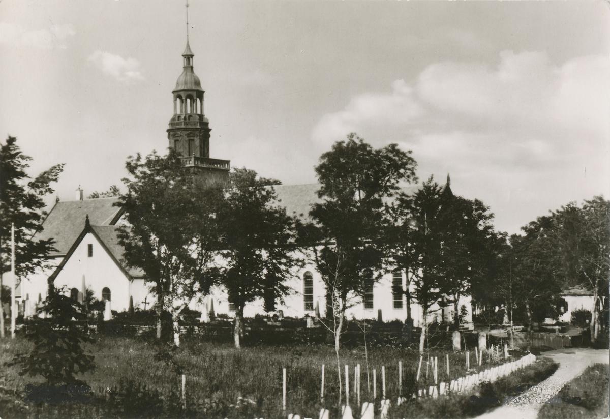 Borgund kirke ferdig bygd opp igjen etter brannen 1904.