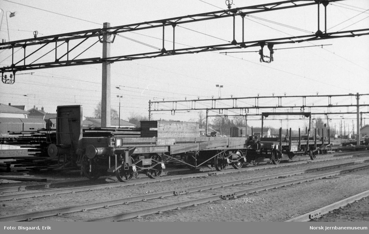 Skinneutkjøringsvogn litra Xo nr. 15993 på Ski stasjon