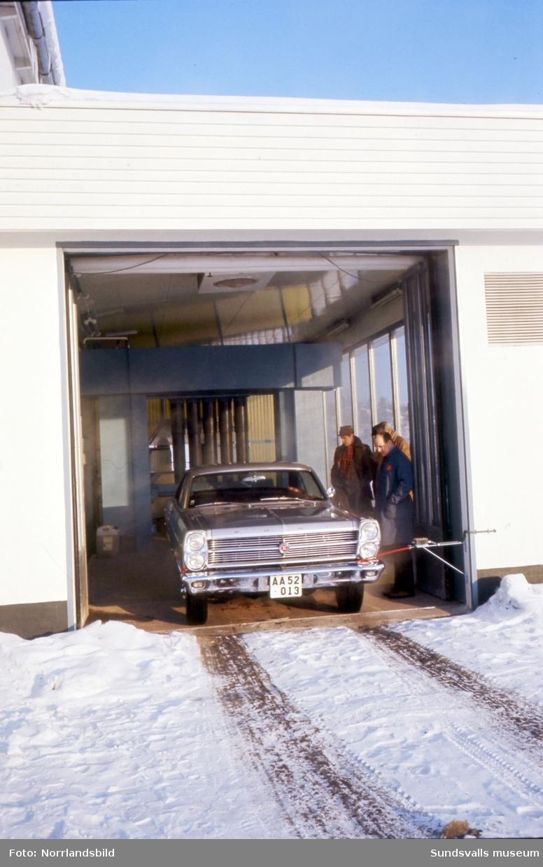 Shell Punkten i Bydalen. Exteriörbild, interiör i butiken, verkstaden samt biltvätten.