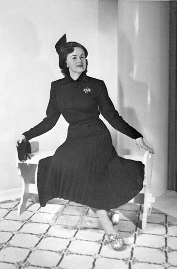 Ella Mabäcker, modell för Magna klädkollektion 1951-1952