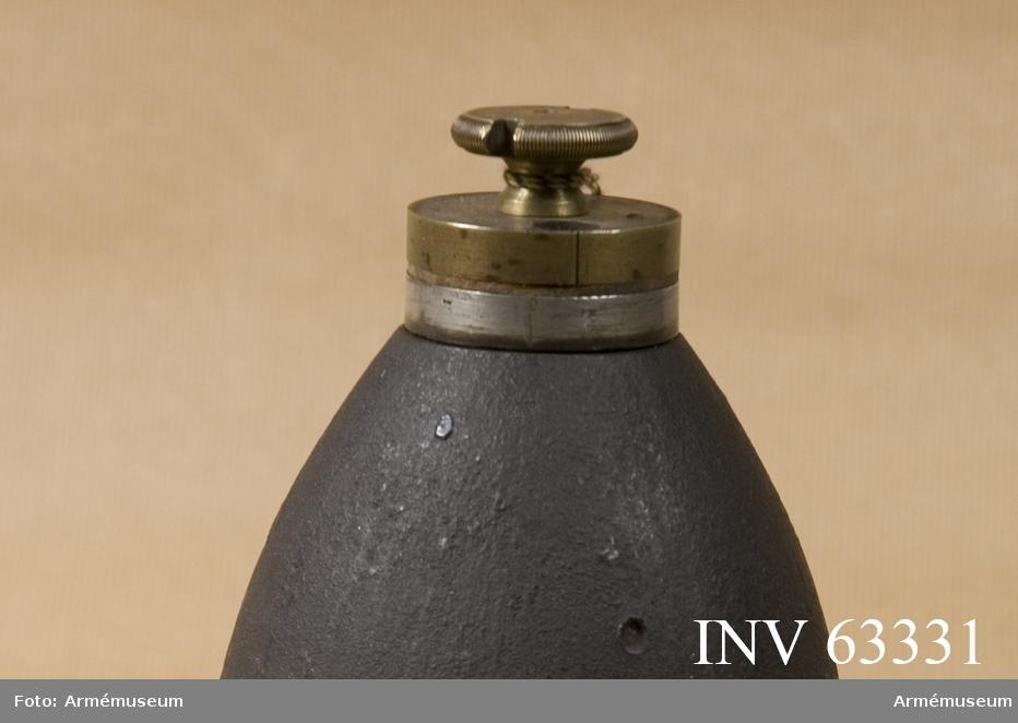 """Grupp F II. Tidrör i tre delar till 10 cm (3,""""24) granatkartesch från 1863 års skjutförsök."""