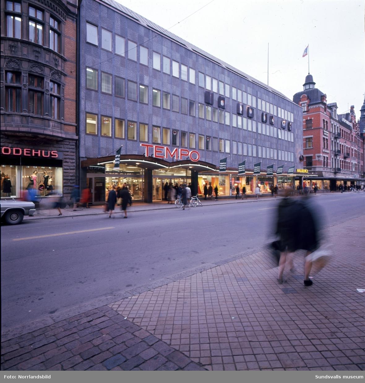 Tempovaruhuset i det nybyggda huset i kvarteret Glädjen, fasaden mot Storgatan.