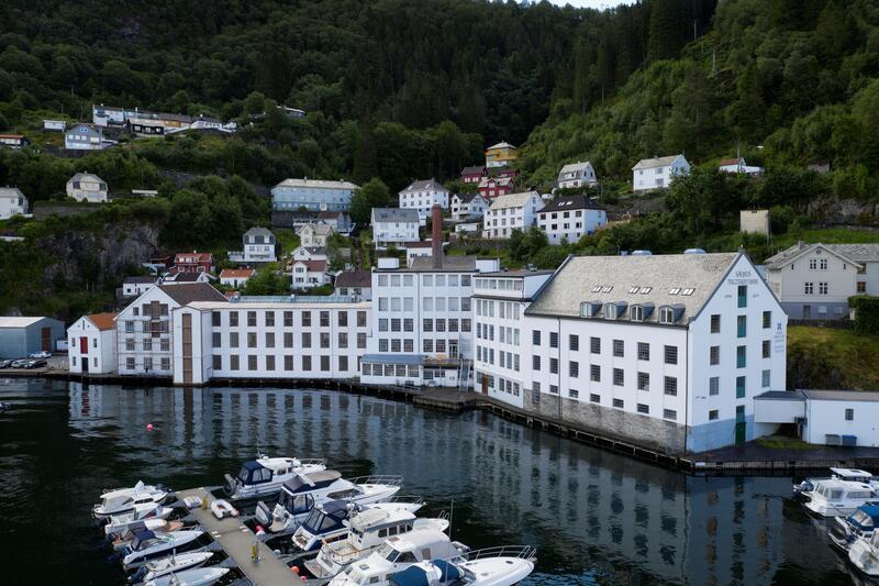 Tekstilindustrimuseet og Bevaringstenestene i Salhus (Foto/Photo)