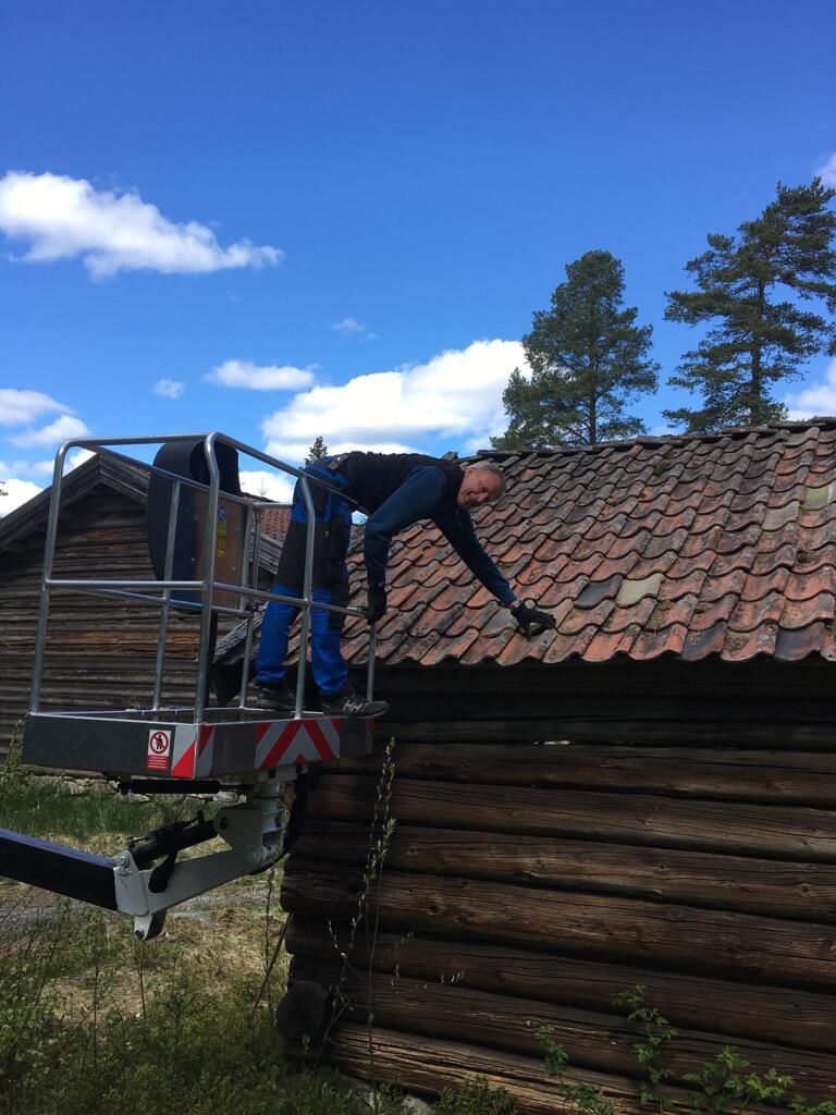 Taksjekk på husmannsplassen på Odalstunet. (Foto/Photo)